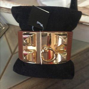 Jewelry - Tan & gold cuff bracelet